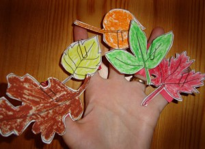 Leaf finger Puppets